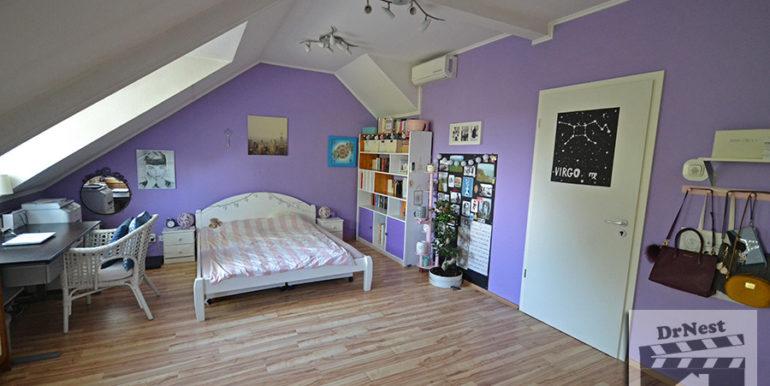 emeleti szoba (az egybenyitott)